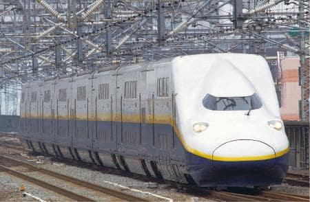 2階建ての新幹線車両「E4系」