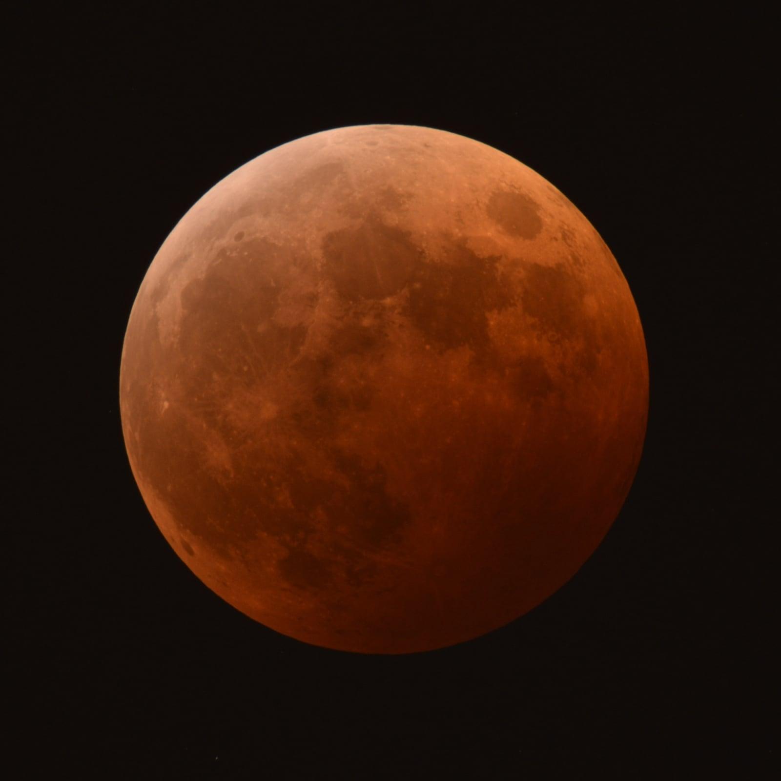 前々回の2014年10月に熊本市で見られた皆既月食
