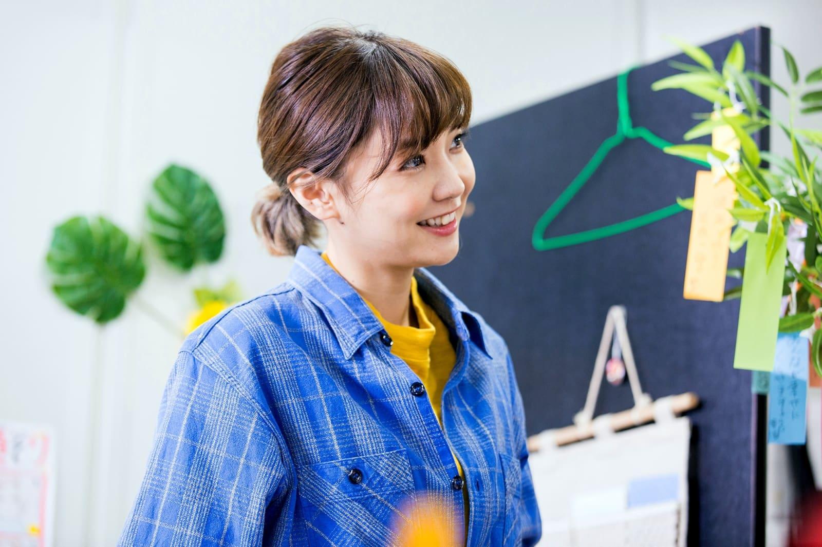 県制作復興ドラマで理容室の夫婦役を演じた倉科カナさん