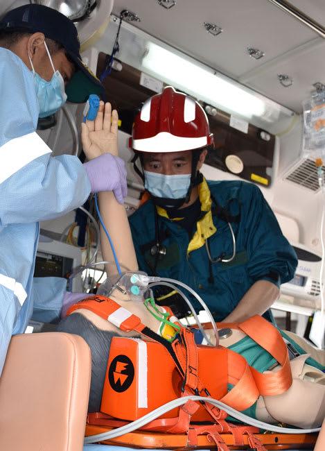 延岡市消防本部がドクターカーとして活用する緊急車両