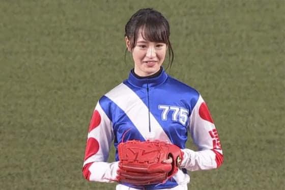 ロッテ対オリックスの始球式に登場した藤田菜七子【画像:(C)PLM】