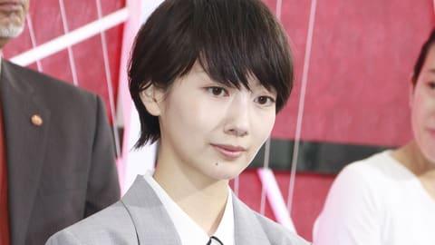 連続ドラマ「未解決の女 警視庁文書捜査官」の制作発表記者会見に登場した波瑠さん