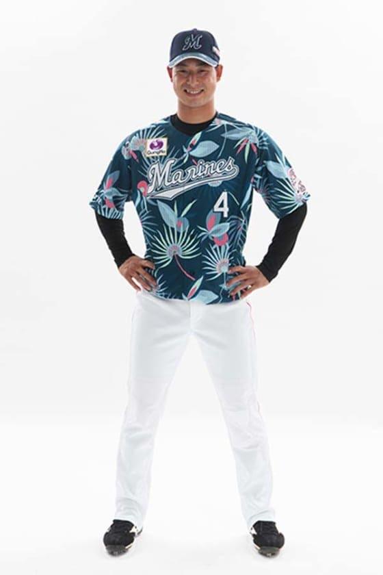 ロッテが「MAKUHARI SUMMER STADIUM」で着用するサマーユニフォームを発表【写真提供:千葉ロッテマリーンズ】