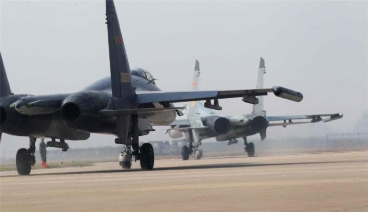 韓国、中国軍機の防空識別圏侵入...