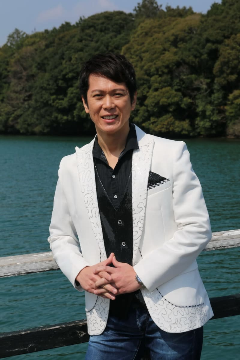 地域の支えに恩返し 西海の演歌歌手 CDデビュー | 長崎新聞