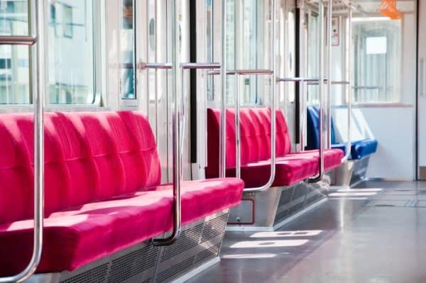 【夢占い】現状への不満? 電車の夢の意味