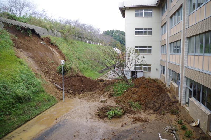 【台風19号1週間】被災地に記録的大雨 中学校で土砂崩れ/千葉・匝瑳