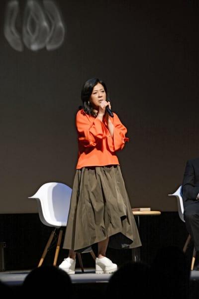 「Wの悲劇」の主題歌をアカペラで披露する薬師丸ひろ子さん