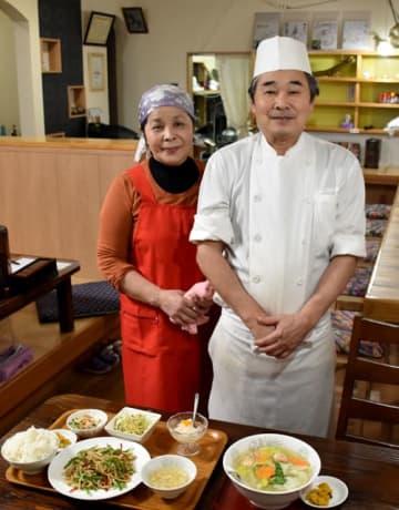 小林市で中華料理店を再開した木原さん夫婦