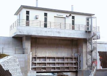 省合金二相ステンレス鋼が採用された岩手県久慈市の小袖漁港水門