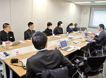 東洋アルミニウム大阪オフィスに新潟県上越市立城東中学校の2年生6人が訪問