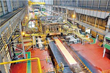 東国製鋼・唐津工場の厚板ミル