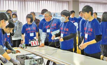 総合優勝した「福岡県立鞍手高校のチーム」