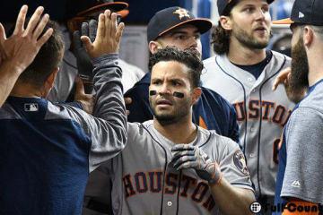 本塁打を放ったアストロズのホセ・アルトゥーベ【写真:Getty Images】