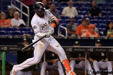 イチローのバットで本塁打を放ったマーリンズのマルセル・オズナ【写真:Getty Images】