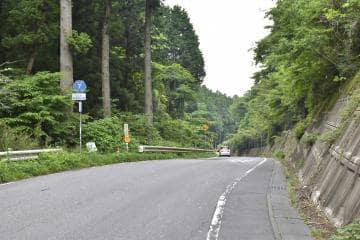 上曽トンネル整備事業が計画されている県道石岡筑西線=桜川市真壁町山尾