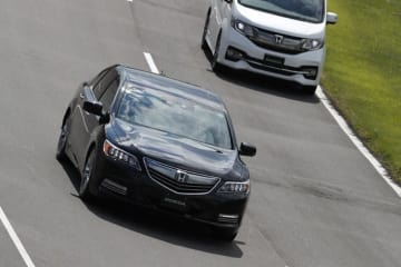 高速道路を想定したホンダの自動運転実験車両