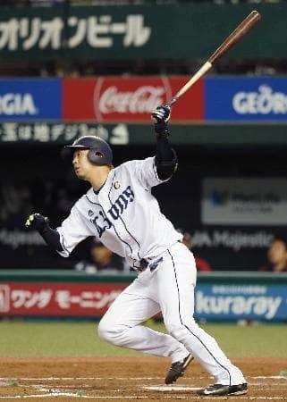 2回西武2死二、三塁、浅村が左中間に、2打席連続本塁打となる3ランを放つ=メットライフドーム