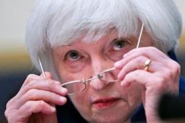 米下院金融委員会で証言するFRBのイエレン議長=12日、ワシントン(AP=共同)