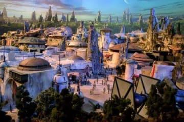 人気映画「スター・ウォーズ」をテーマにした新エリアの完成予想モデル(ウォルト・ディズニー提供、共同)