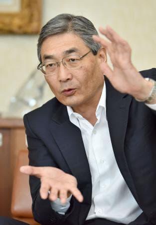 インタビューに答える三菱UFJ信託銀行の池谷幹男社長