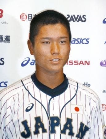 城西国際大との練習試合を終え、取材に応じる野球高校日本代表の清水達也=千葉県内