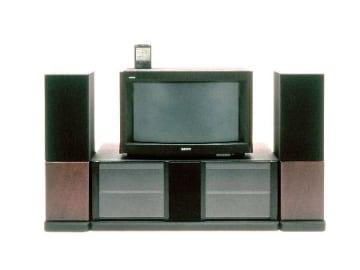 ソニーの36型HD(ハイビジョン)トリニトロンカラーテレビ(ソニー提供)