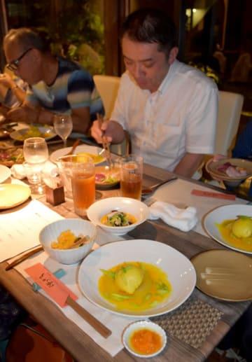 九州保健福祉大で試験栽培するサフランを使った創作料理のディナーセミナー