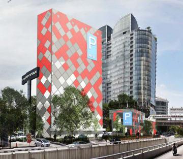日成ビルドがKL中心部で運営する立体駐車場(同社提供)