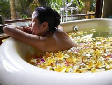 お湯の温度は42度を境に、体への作用が真逆になります。副交感神経を整え、リラックスするには40度以下が望ましいでしょう