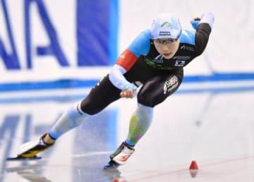 女子500メートル 37秒25で優勝した小平奈緒=エムウエーブ