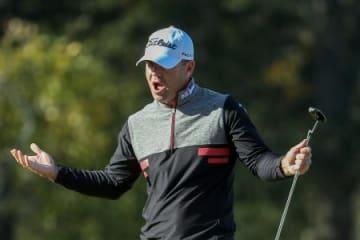 米男子ゴルフのサンダーソンファームズ選手権第3ラウンド、16番でバーディーを奪ったライアン・アーマー=28日、ミシシッピ州ジャクソン(ゲッティ=共同)