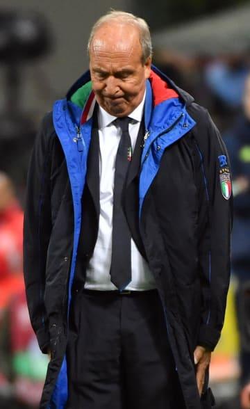 欧州予選プレーオフのスウェーデン戦を終え、W杯出場を逃したイタリア代表のベントゥラ監督=15日、ミラノ(AP=共同)