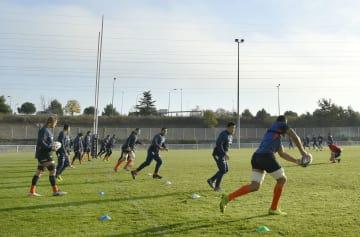 フランス南部トゥールーズで練習するラグビー日本代表=21日(共同)