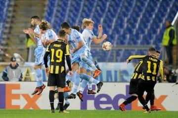 リンセンが蹴ったボールは…… photo/Getty Images