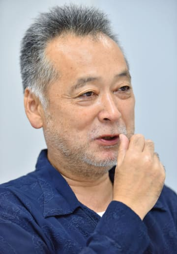 インタビューに答える瀬々敬久監督=東京都内