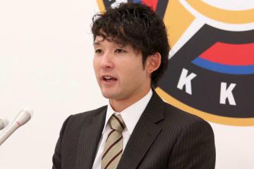 契約更改に臨んだ日本ハム・杉谷拳士【写真:石川加奈子】
