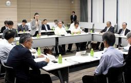 今秋に神戸市内で開かれた協議会。トラック運転手らの労働改善策などを話し合った=神戸市灘区大石東町2
