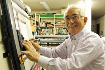「子どもたちには、好きなことをのびのびとやってほしい」と話す田中さん=長崎市、アート長崎