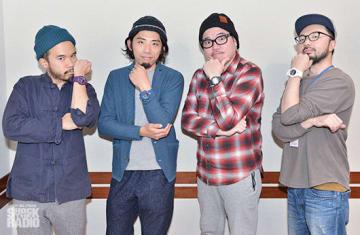 OvallのShingo Suzukiさん(右)、mabanuaさん(左)、関口シンゴさん(中央左)と、番組パーソナリティのRIP SLYMEのRYO-Z(中央右)