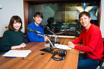 鈴木徹選手(右)と、パーソナリティの藤木直人(中央)と、伊藤友里
