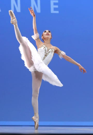 第46回ローザンヌ国際バレエコンクールの最終選考で、クラシックの演技を披露する大木愛菜さん=3日、ローザンヌ(共同)