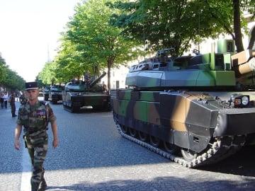 パレード パリ祭 MBT ルクレール