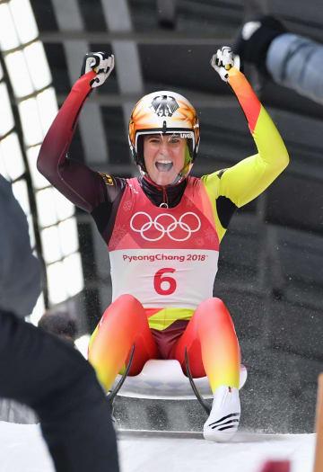 女子1人乗りで優勝したドイツのナタリー・ガイゼンベルガー=平昌(共同)