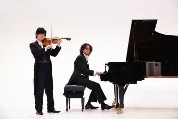 「スギテツ」の岡田鉄平さん(左)と、杉浦哲郎さん