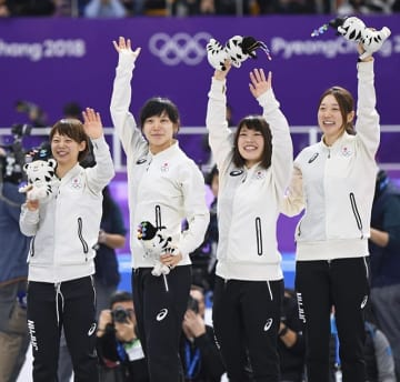 高木 佐藤 菊池 金 メダル スピードスケート 女子 団体