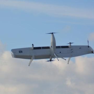 エレガントな離着陸と水平飛行を披露するswift 020