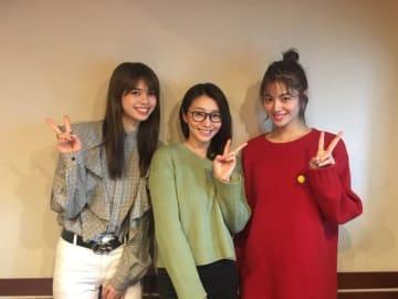 左から、佐藤晴美さん、眞鍋かをり、楓さん
