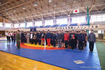 全国の駐屯地からレスリング選手が集合