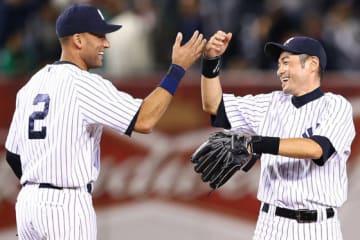 ヤンキースではチームメイトとしてプレーしたイチローとジーター【写真:Getty Images】